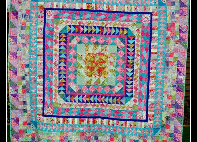 Featuring Maria — A Bloggers' Quilt Festival Quilter!