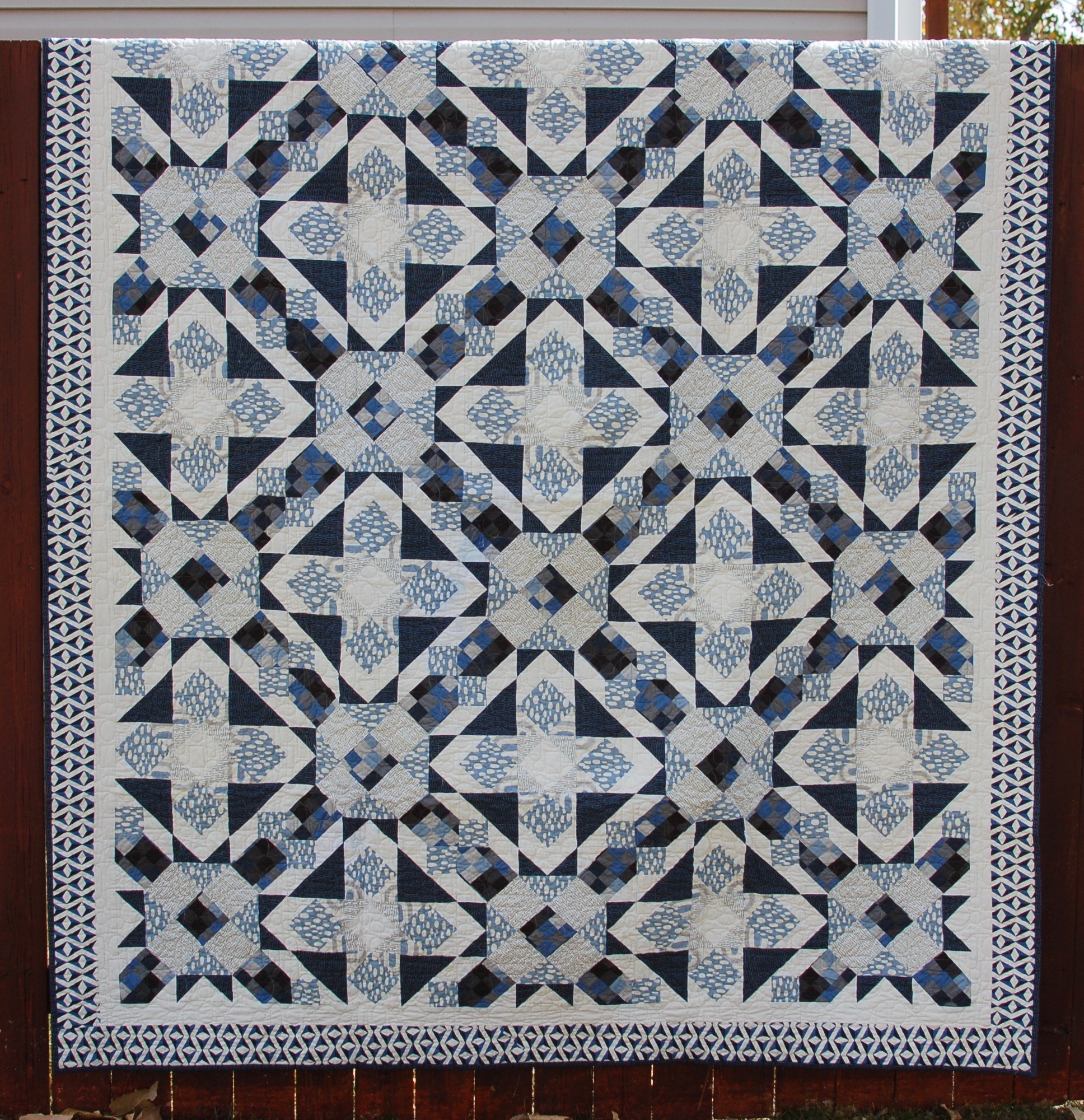 Tranquility - Indigo and soft blues featured in this Serenity quilt pattern by Amy Ellis #showmethemoda - AmysCreativeSide.com