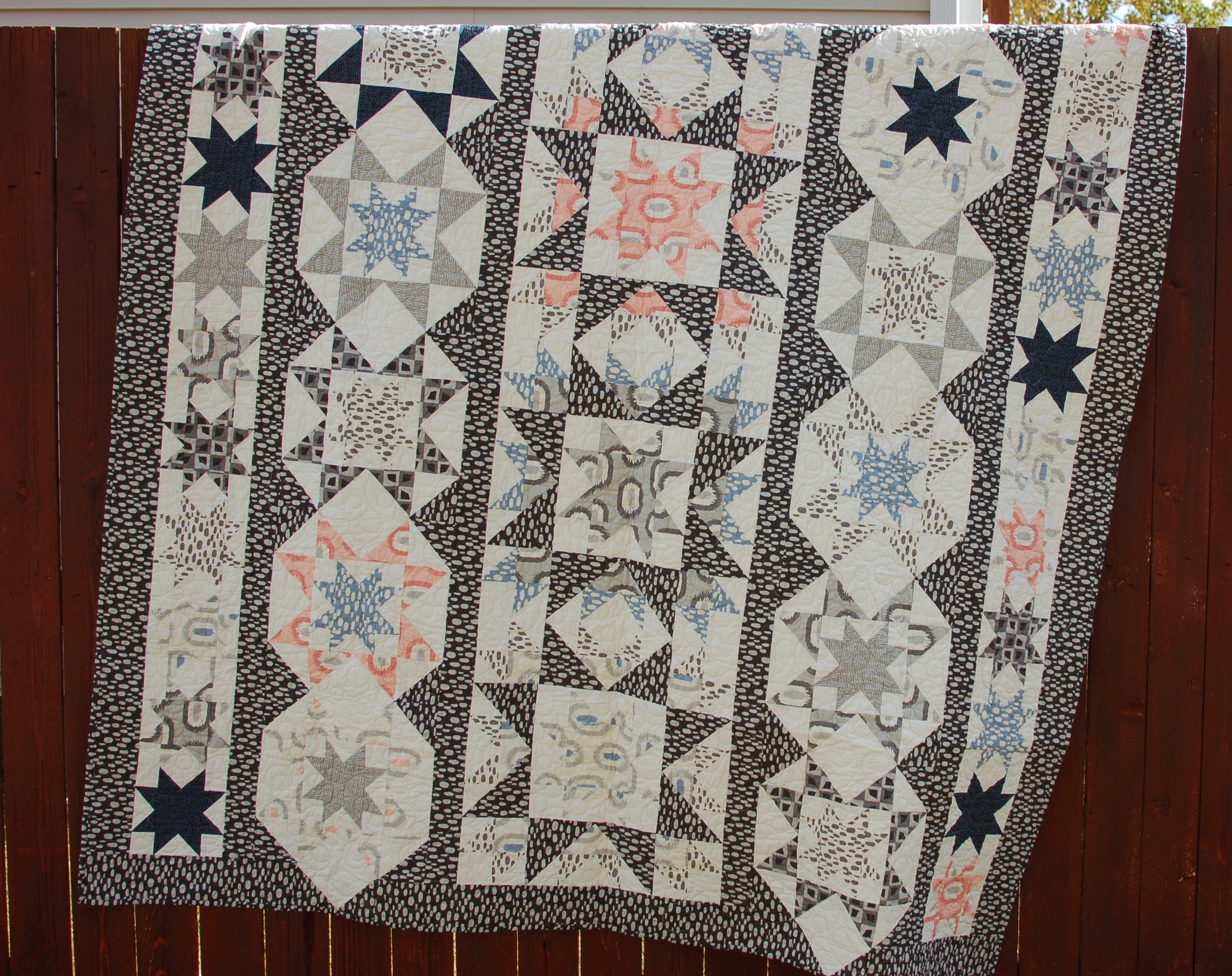 Starry Night - A fun star row quilt pattern by Amy Ellis #showmethemoda - AmysCreativeSide.com