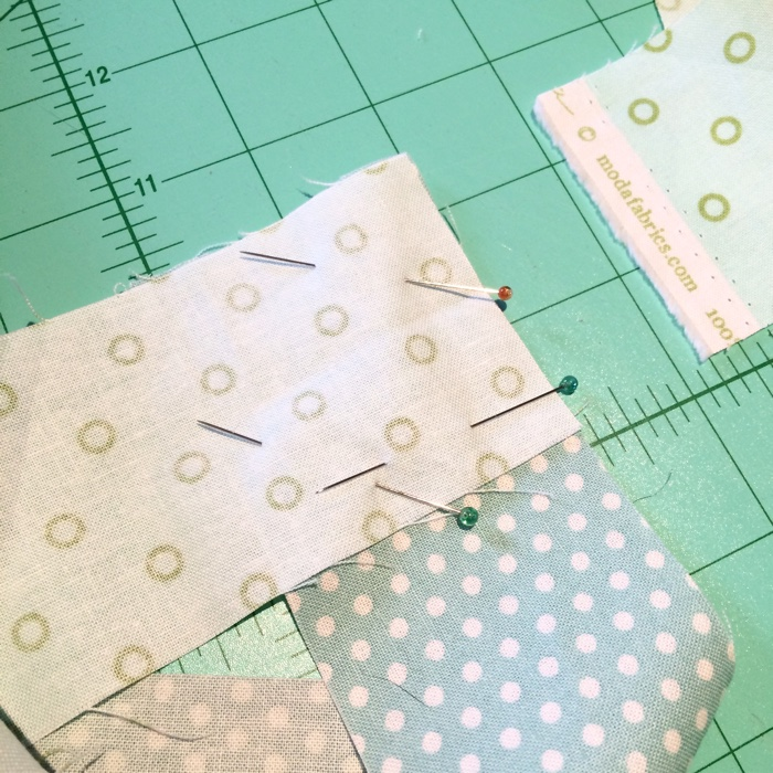 Quilt Binding Tutorial by Amy Ellis - AmysCreativeSide.com