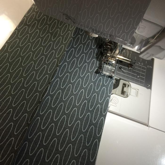 Adding a Quilt Sleeve - AmysCreativeSide.com
