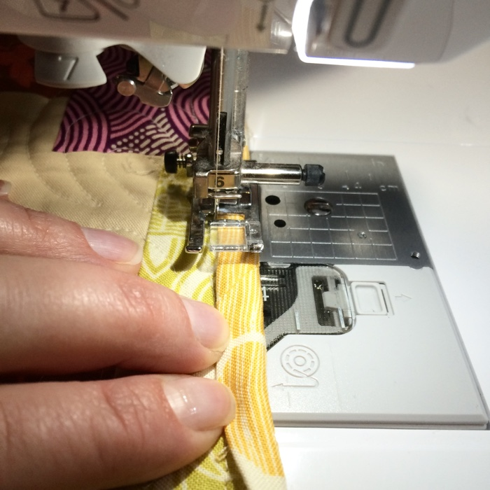 Machine Stitching a Quilt Binding - AmysCreativeSide.com