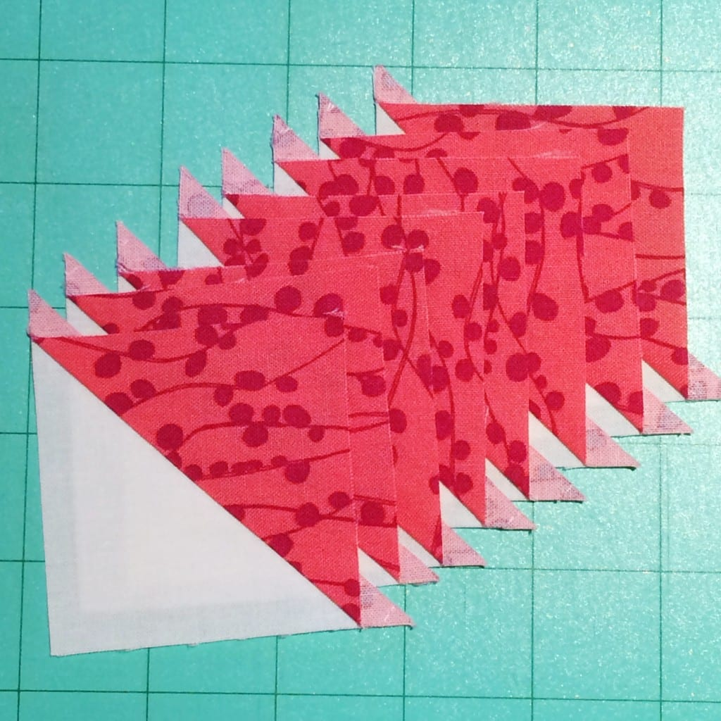 Half-Square Triangles Two Ways! - AmysCreativeSide.com