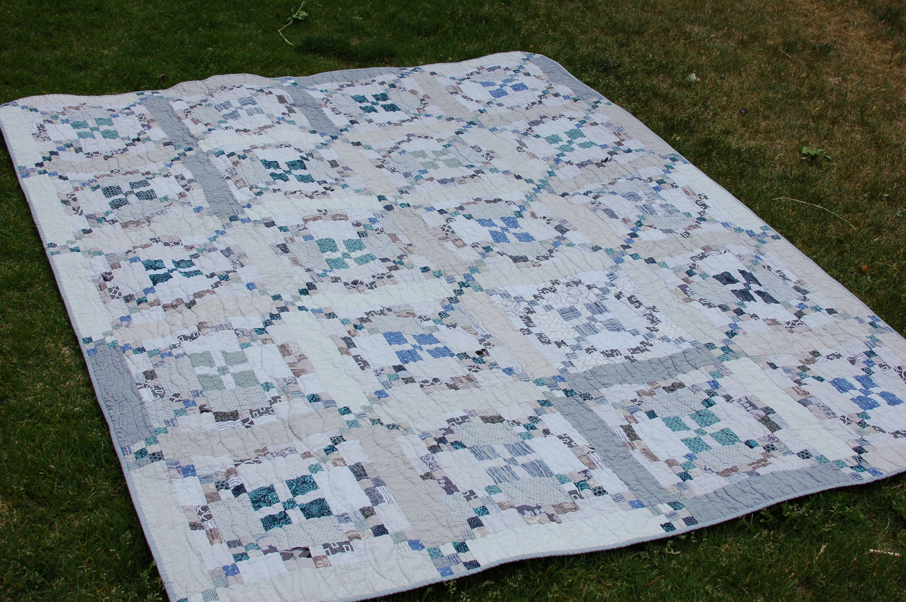 Tone It Down – Finished Quilt!
